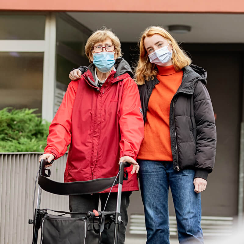 Image of Safely visiting at the nursing home pandemic crop2